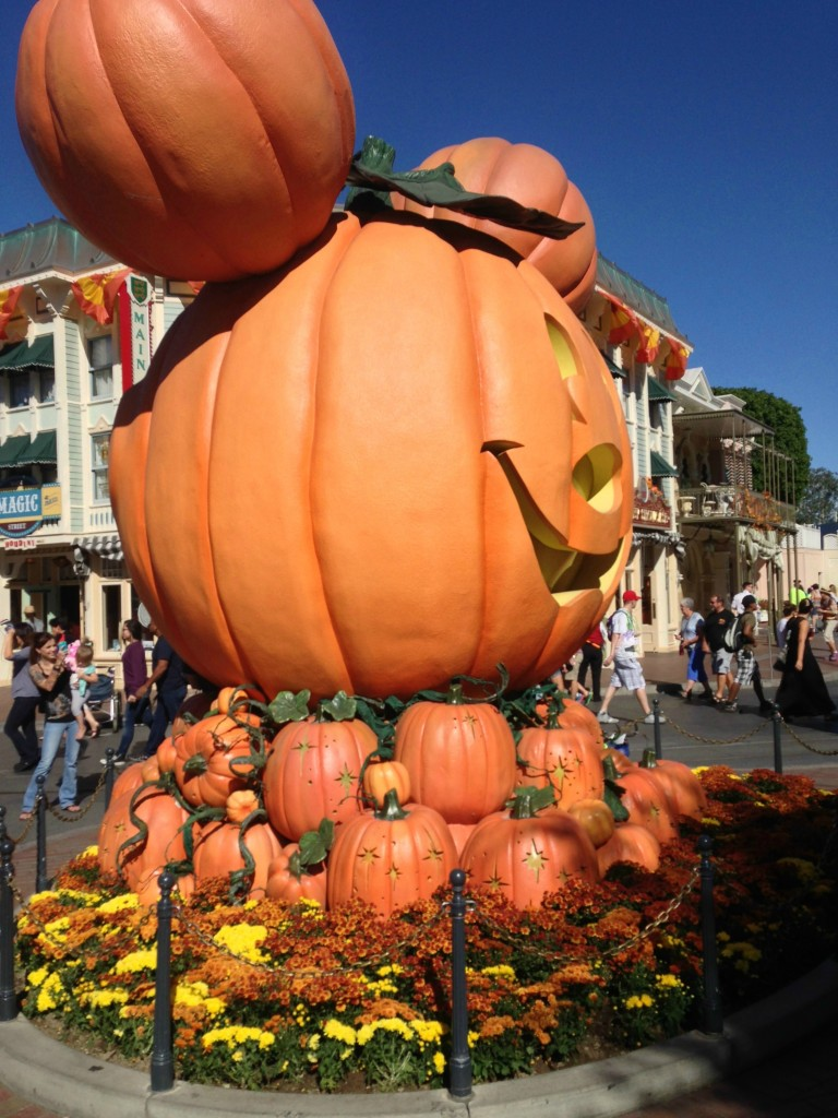 #Halloweentime at Disneyland